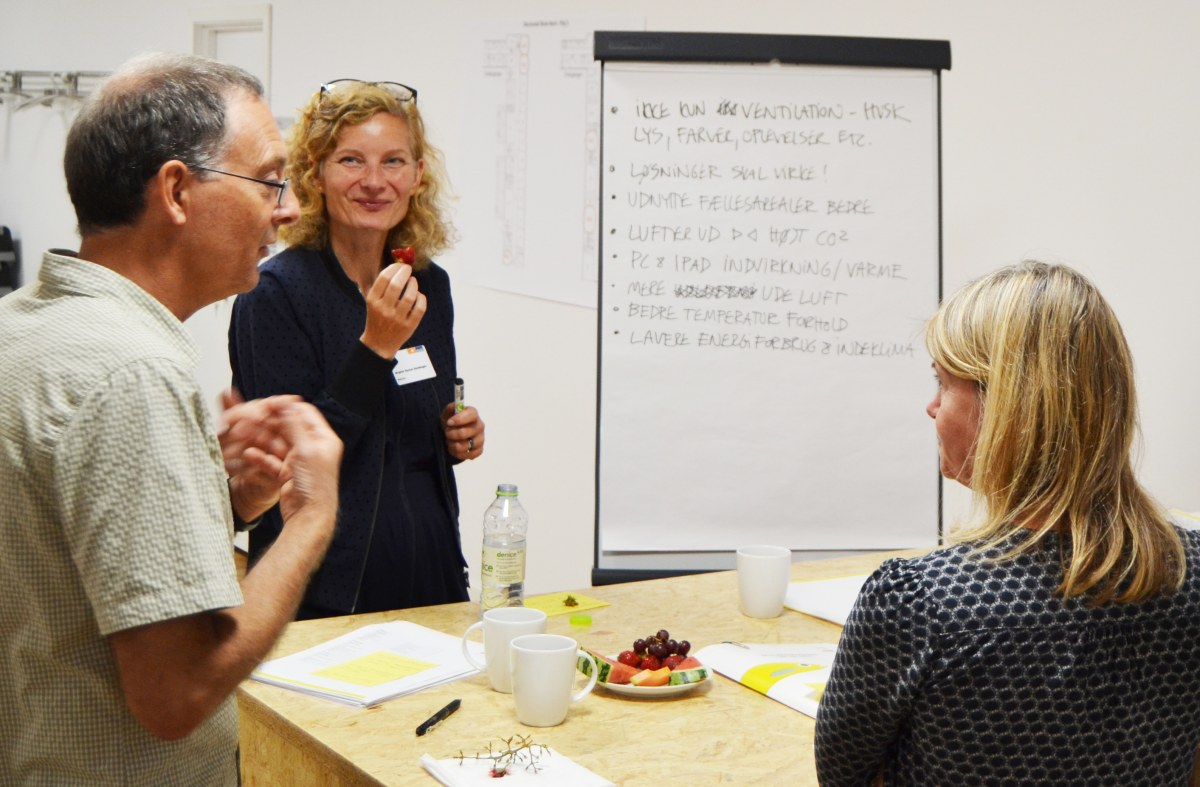 Proces- og udviklingschef Birgitte Nysom Sandhagen, Bascon, her på workshop om bedre indeklima på Skovlunde Skole Nord i Ballerup (nr. to fra venstre).