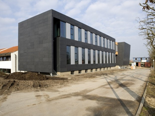 Danske Andelskassers Bank : Finanscentrum i landsby : Byggeri : Byggeplads.dk