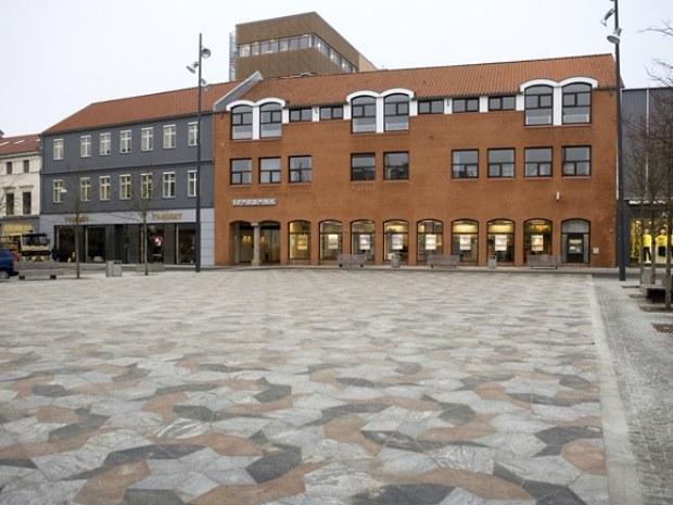 Sparbank : Afskærmet bank : Byggeri : Byggeplads.dk