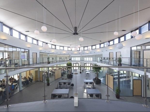 Multihus - Nærum Gymnasium - Balkon