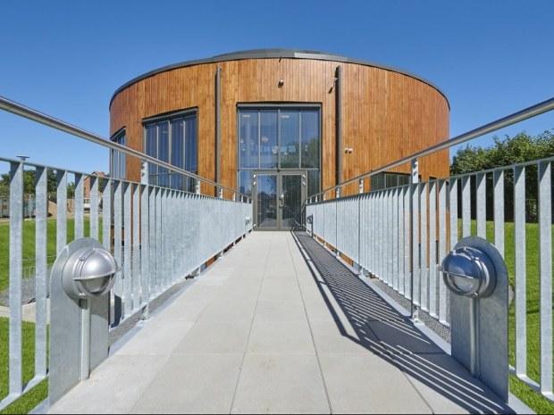 Multihus - Nærum Gymnasium - Gangbro