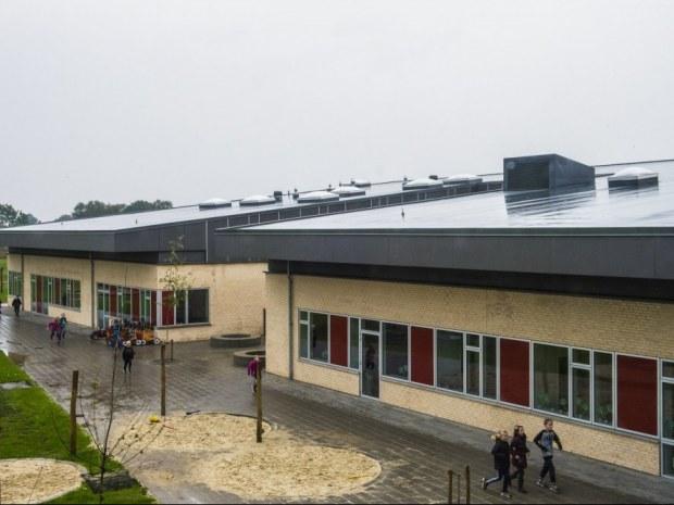 Snejbjerg Skole - Skolebygninger