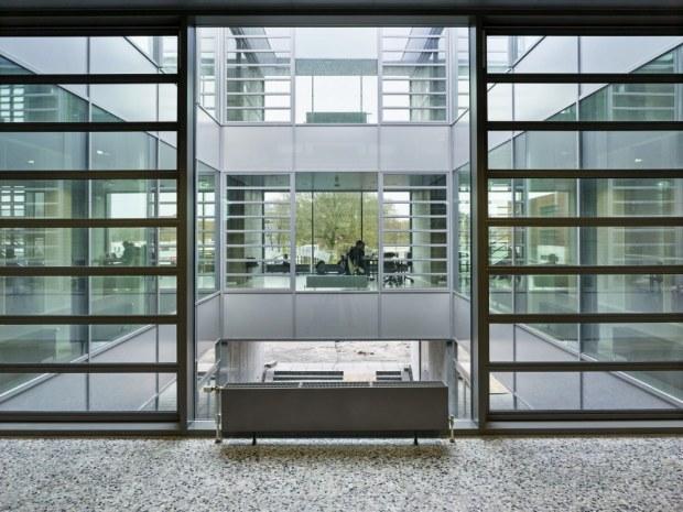 Syddansk Universitet, Bygning 44 - Vinduer