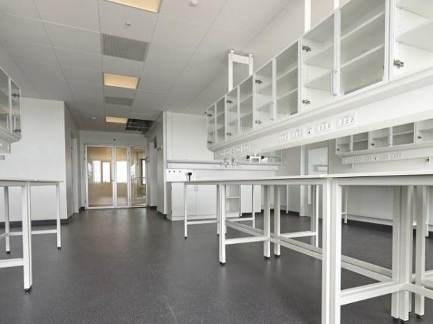 DTU Biosustain, bygning 220 - Laboratorierne