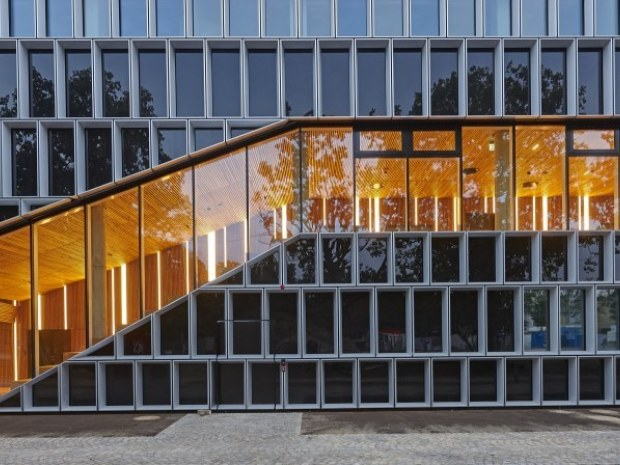DTU Fotonik, bygning 340 - Facaden