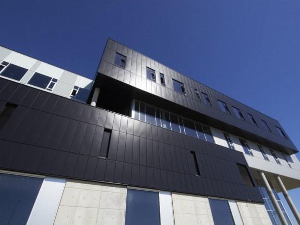 Institut for Byggeri og Anlæg, Aalborg Universitet - Facadepartierne