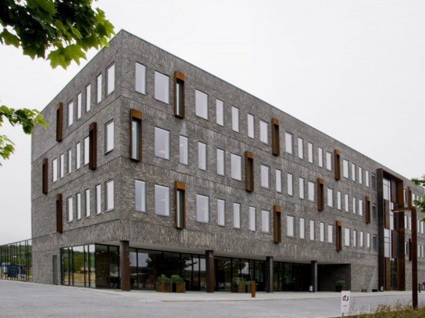Jyske Bank-kontorhus - Bygningen