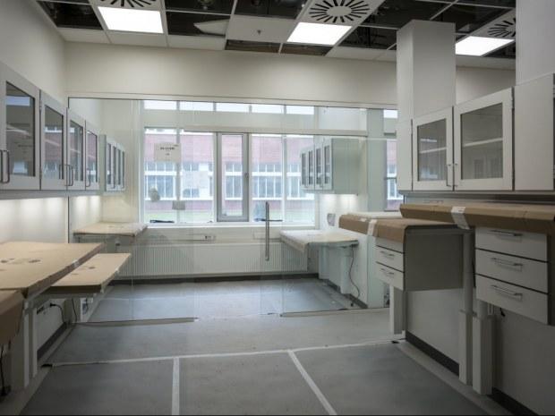 Det Nye Universitetshospital (DNU), S2 - Glaspartierne