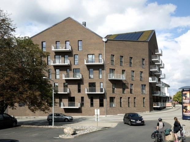 The Hill - facade