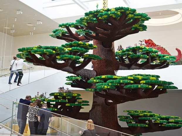 Lego House - Tree of creativity