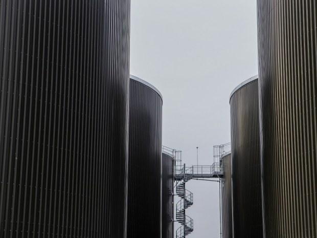 Sønderjysk Biogas Bevtoft : Kæmpe biogasanlæg visuelt integreret i landskab : Byggeri ...