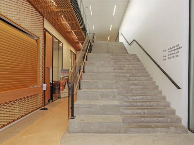 VUC Storstrøm Campus - trappe