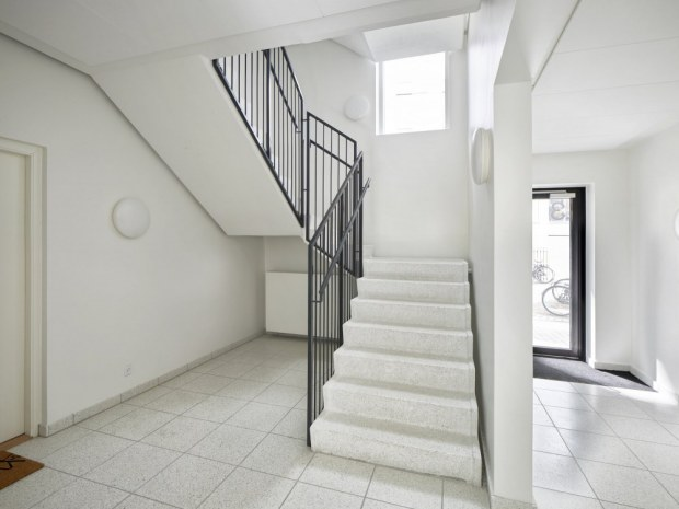Organistens Hus og Laxness Hus - trappeopgang