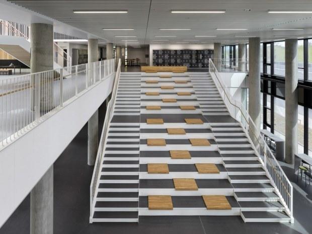 Next Vestskoven Gymnasium - trappe