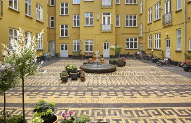 Gårdhave nomineret til pris : landskab og byrum, udendørs anlæg ...