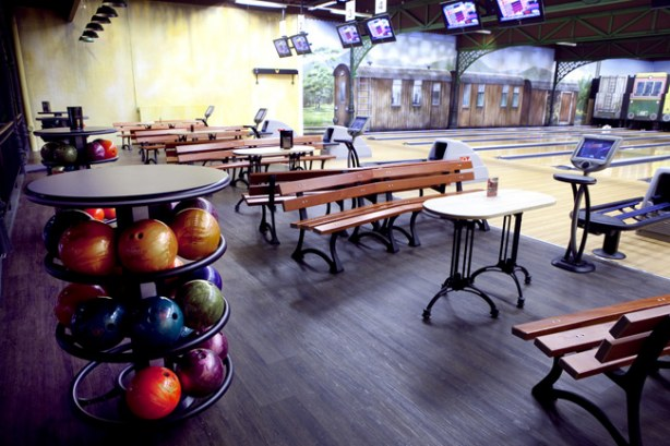 Lalandia Billund - bowling : Foto : Byggeplads.dk