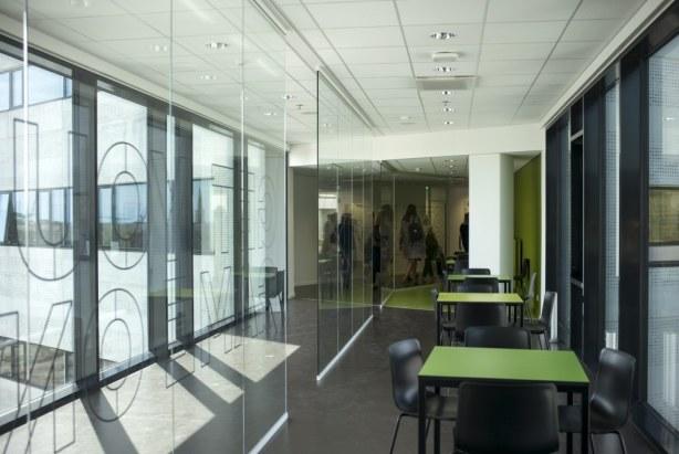 Campus Aarhus C, VIA University College - Glasvægge