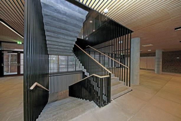 Skolen i Bymidten - trappe