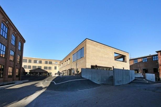 Skolen i Bymidten - skolegård