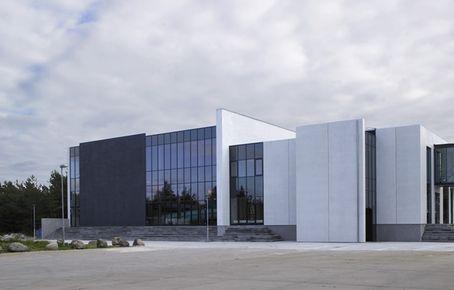 Grenå Svømmehal : Svømmehallen i plantagen